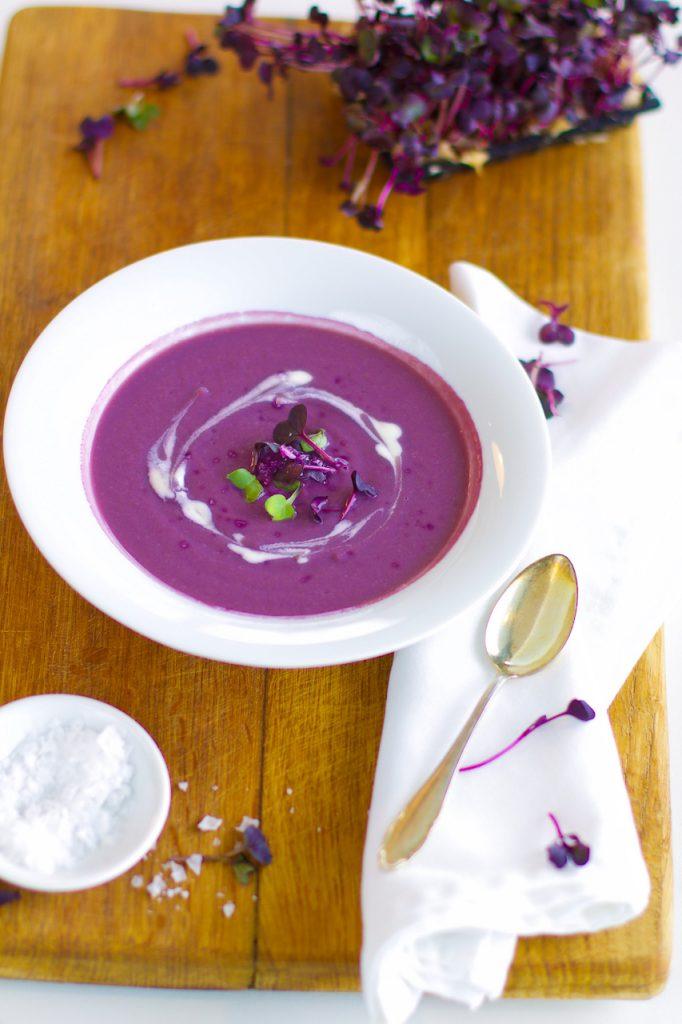 Cremige Rotkohlsuppe mit Cashewsahne | Lecker und gesund {Vegan & Glutenfrei} – NaturallyGood