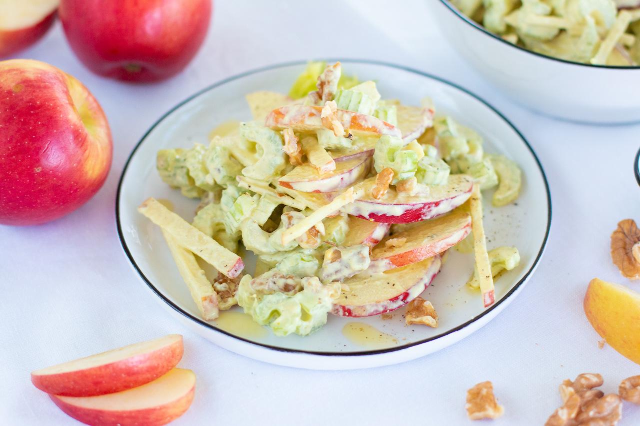 Leichter Waldorf-Salat mit gesunder Mayonnaise {vegan & gesund}