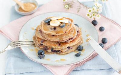 Vegane Blaubeer-Pancakes {zuckerfrei & schnell gemacht}